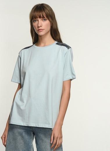 NGSTYLE NGKSS21TS0042 Omuz Detaylı Tshirt Mavi